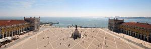 Place donnant sur le Tage à Lisbonne